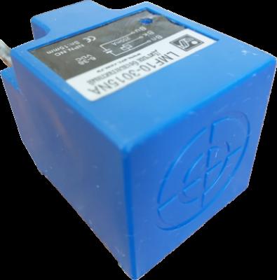 Индуктивный бесконтактный выключатель AR-LMF10-3015